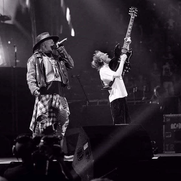 Axl Rose angus young washington 2016