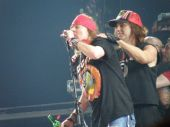 Concerts 2010 europe 0608 moscow axl chris01