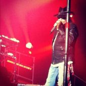 Concerts 2012 0511 moscow axl02