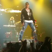 Concerts 2012 0511 moscow axl05