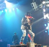 Concerts 2012 0605 paris jpcarly axl01