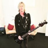 Concerts 2016 0420 mexico backstage duff 01