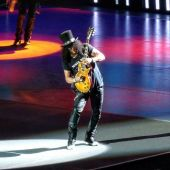 Concerts 2016 0623 detroit concert slash01