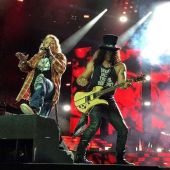 Concerts 2016 0626 washington axl slash01
