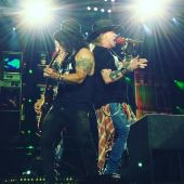 Concerts 2016 0723 east rutherford slash axl01