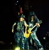 Concerts 2016 0731 new orleans axl slash01