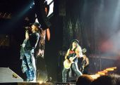 Concerts 2016 0803 arlington axl slash05