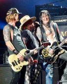 Concerts 2017 0204 auckland gnr06