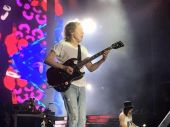 Concerts angus young 2017 0210 sydney angus03