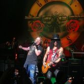 Concerts 2017 0720 nyc gnr01 apollo