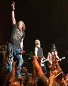 Concerts 2017 0720 nyc gnr02