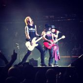 Concerts 2017 1011 nyc gnr01